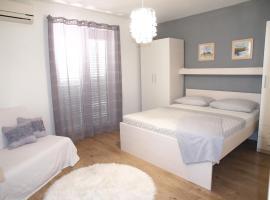 Apartmani Igor, apartment in Makarska