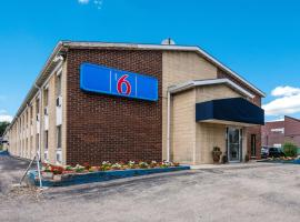 Motel 6-Madison, WI - East, hotel in Madison