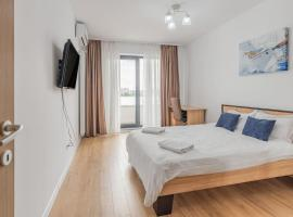 Cozy Studio With Netflix And Private Parking, hotel in Bucharest