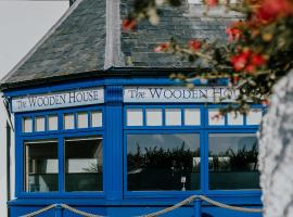 The Wooden House Hotel, hotel in Kilmore Quay