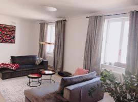 LUXUS 5 Zi-Wohnung + Balkon in TOP-Lage FFM+KLIMA, hotel in Frankfurt