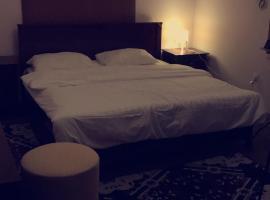 غرف فندقيه شهريه, vacation rental in Yanbu