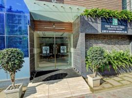 CAPITAL O75746 The White Tree Executive Suites- Hygiene Ensured, hotel in Bangalore