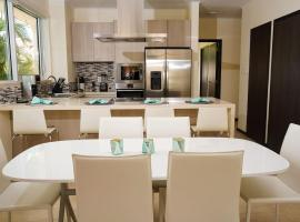 Spectacular apartment in levent eagle beach, appartement in Palm-Eagle Beach