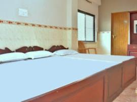 Hotel palace, hotel near District and Sessions Court, Cochin