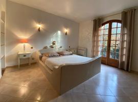 Villa Roka, hotel near Ile des Embiez, Six-Fours-les-Plages