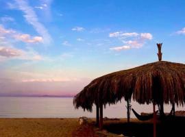 Droub Camp, отель в Нувейбе