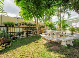 OYO 760 Inn Chan Resort, hotel in Sattahip
