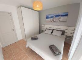 Apartamentos Sarah – hotel w pobliżu miejsca Plaża Cofete w mieście Morro del Jable