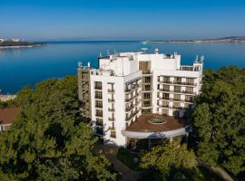 Приморье Grand Resort Hotel 4*, отель в Геленджике