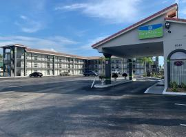 SureStay Hotel by Best Western Clermont Theme Park West, pet-friendly hotel in Kissimmee
