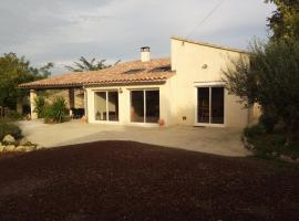 mas des oliviers, holiday home in Nîmes