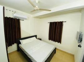 Hotel Cochin Paradise, hotel near Centre Square Mall, Ernakulam