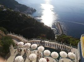 Grand Hotel Excelsior, hotel with pools in Amalfi