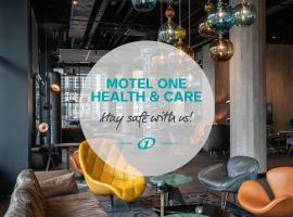 Motel One Berlin-Spittelmarkt, hotel near Memorial of the Berlin Wall, Berlin