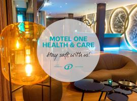 Motel One München-Olympia Gate, hotel in Munich