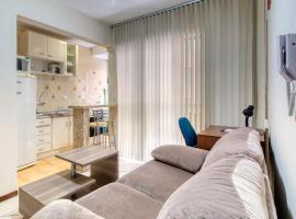Ótimo apartamento no Centro mobiliado e com garagem, apartment in Curitiba