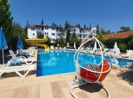 Silver Pine Hotel, hotel in Fethiye