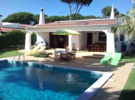 Alsouk, hotel perto de Campo de Golfe Vila Sol, Vilamoura