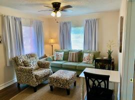 The Flats on Florida St - Super Comfy 2-Bedroom Apartments, vacation rental in Mobile