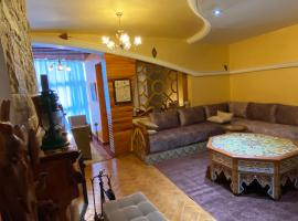 Très joli appartement au centre de IFRANE, appartement à Ifrane