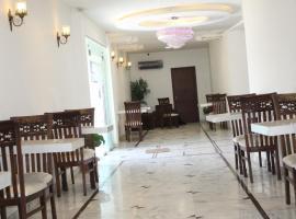 Hotel Comfort INN (R), отель в Карачи