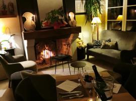 Hotel restaurant L'Aunette Cottage, hôtel à Chamant