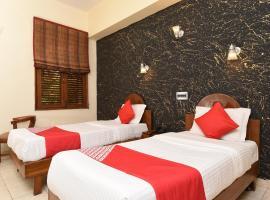 OYO 11265 Kapur Guest House, hotel near Nizamuddin Dargah, New Delhi