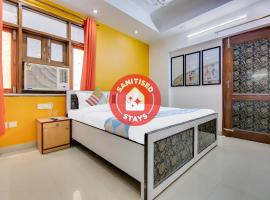 Lively 1 BR Stay near Iskcon Temple(550m), apartment in New Delhi
