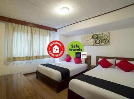 Capital O Hotel Rex, hotel en Toluca