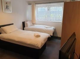 Simeon Serviced Apartments-Spacious 3 bedrooms, hotel in Birmingham
