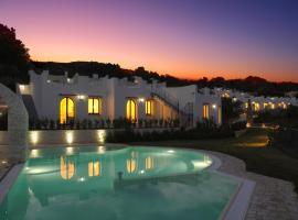 Baia Delphis Resort, отель в Васто