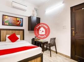OYO 49750 Surya Inn, hotel near Nizamuddin Dargah, New Delhi
