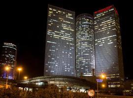 קראון פלזה סיטי סנטר תל אביב, מלון ליד בית החולים איכילוב, תל אביב