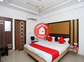 OYO 13125 Hotel Gwal Palace, hotel in Sikandra