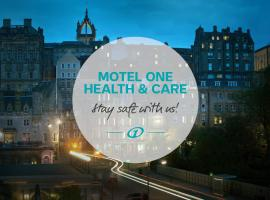 Motel One Edinburgh-Royal, pet-friendly hotel in Edinburgh
