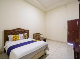 SPOT ON 3978 Hotel Danau Indah, hotel near Grand Galaxy Park, Bekasi