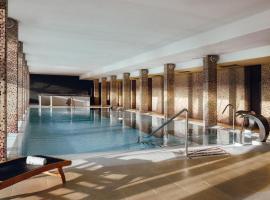 Hôtel Les Dryades Golf & Spa、プリニー・ノートル・ダムのホテル