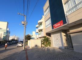 Residencial Florida ll - 150mt Praia de Mariscal, hotel in Bombinhas