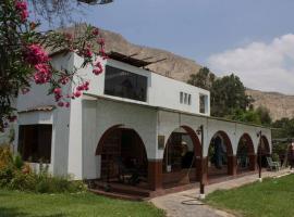 Alquiler Casa De Campo En Cieneguilla Para 16 Personas!!!, hotel with pools in Cieneguilla