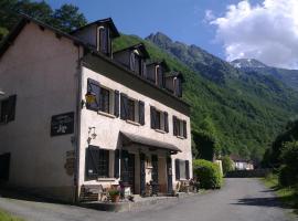 Auberge Les Myrtilles, hotel in Couflens