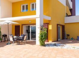 Fantastic Location - Luxury 3 Bed 3 Bath Duplex in Playa Flamenca, Ferienwohnung in Playa Flamenca