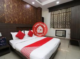 OYO 18753 Hotel Glance Inn, hotel near Rāj Ghāt, New Delhi