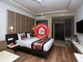 Capital O 12172 Hotel Deep Premium, hotel in Kānpur