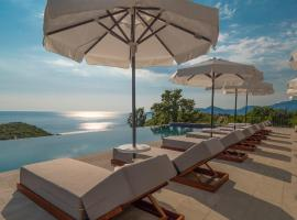 Vivid Blue Serenity Resort, отель в Свети-Стефане