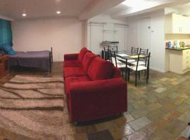 Self contained granny flat, hotel near Illawarra Regional Airport - WOL,