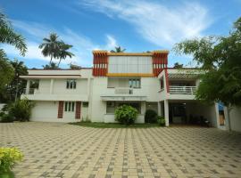 OYO 6777 Star Inn, hotel in Kovalam