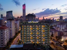 Ataşehir The Place Suites, отель с бассейном в Стамбуле