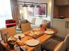 Istanbul Resort Hilltown, отель с бассейном в Стамбуле