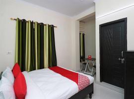 OYO 28050 Raj Guest House, hotel en Faridabad